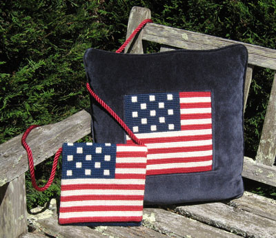 13 STAR FLAG PILLOW AND POCKET BOOK